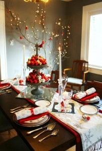 red-silver-christmas-table-setting