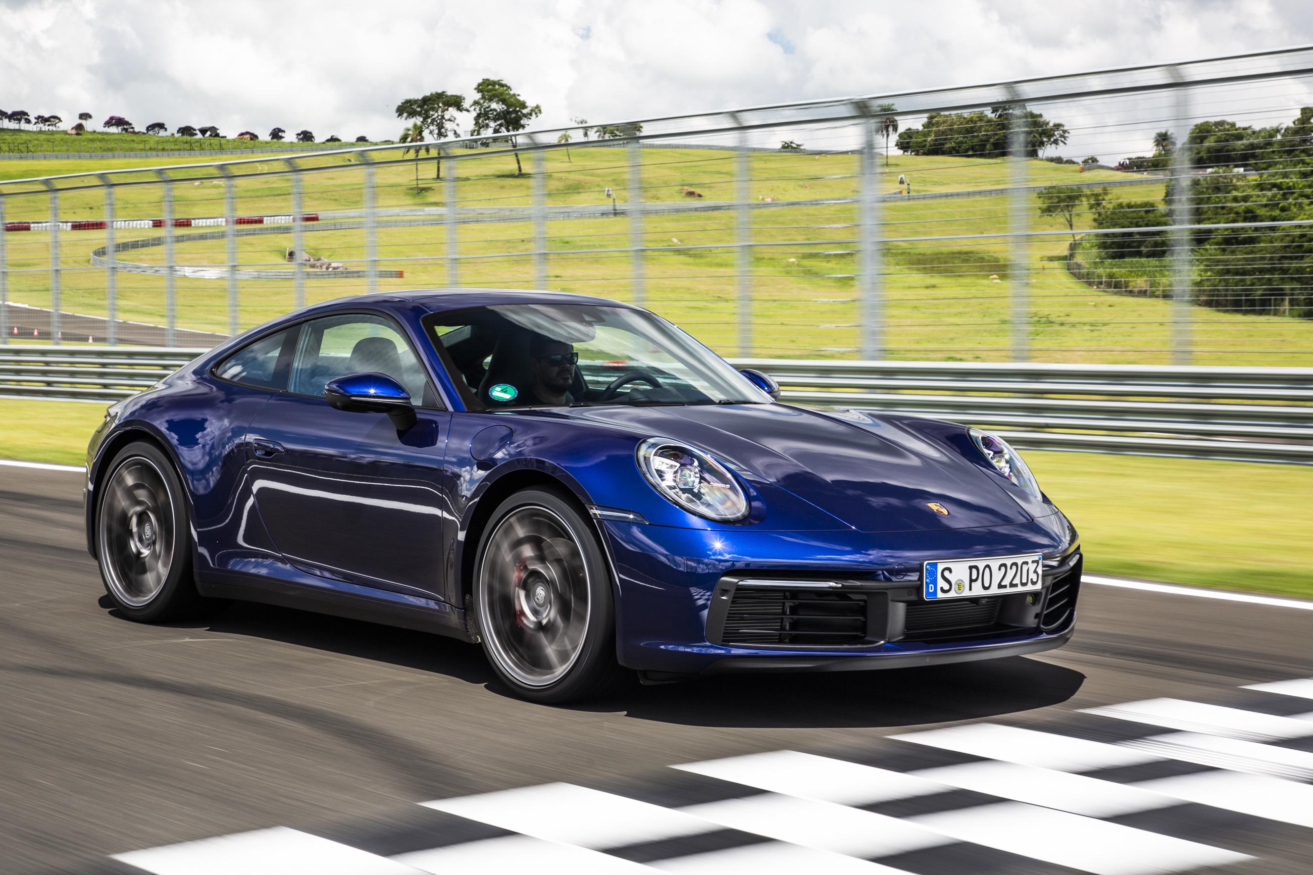 Novo Porsche 911 chega ao Brasil em maio.