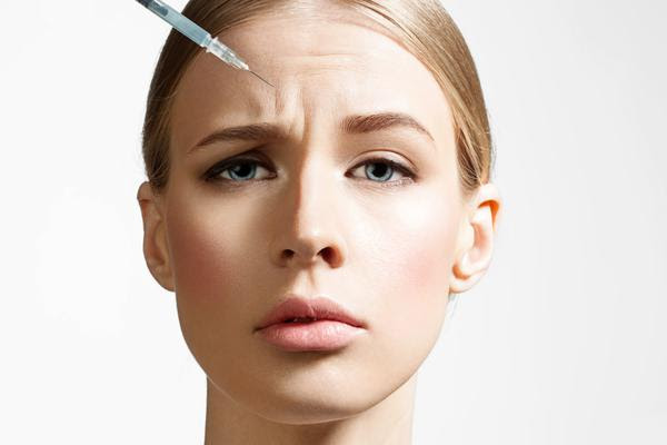 Aplicação preventiva de toxina botulínica pode acelerar envelhecimento da pele; saiba como evitar